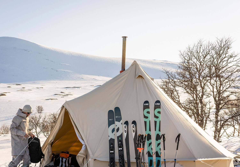 one-parka-sandstorm-tent-skiing.jpg