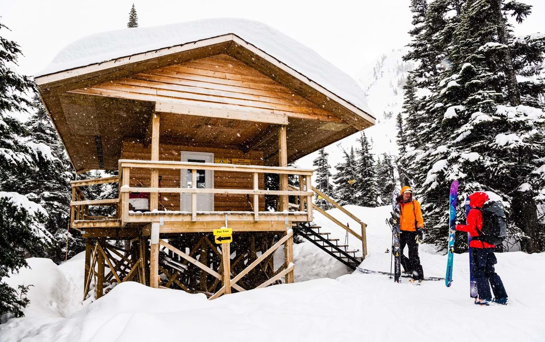 Houdini-sportswear_ski-touring_warming hut.jpg