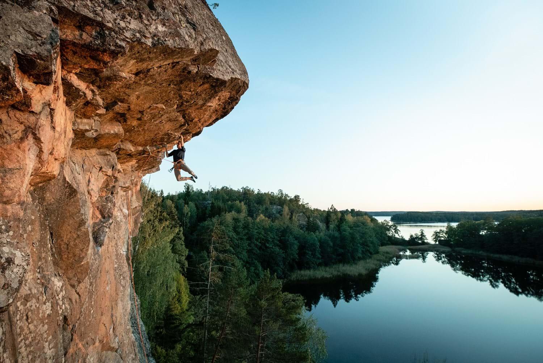 Houdini-sportswear-outdoor-climbing_3x2_1.jpg